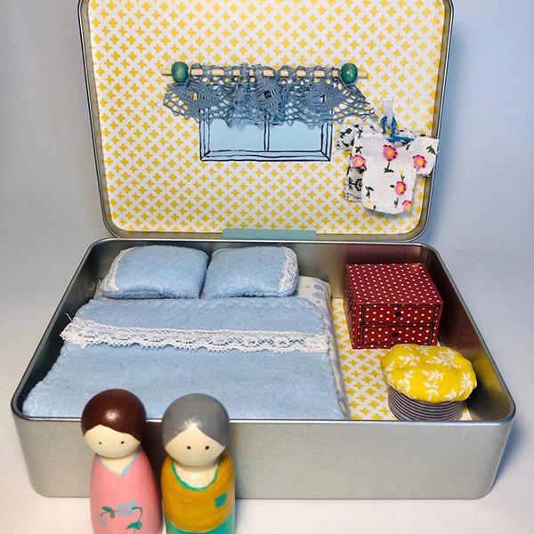 בית בובות בקופסא